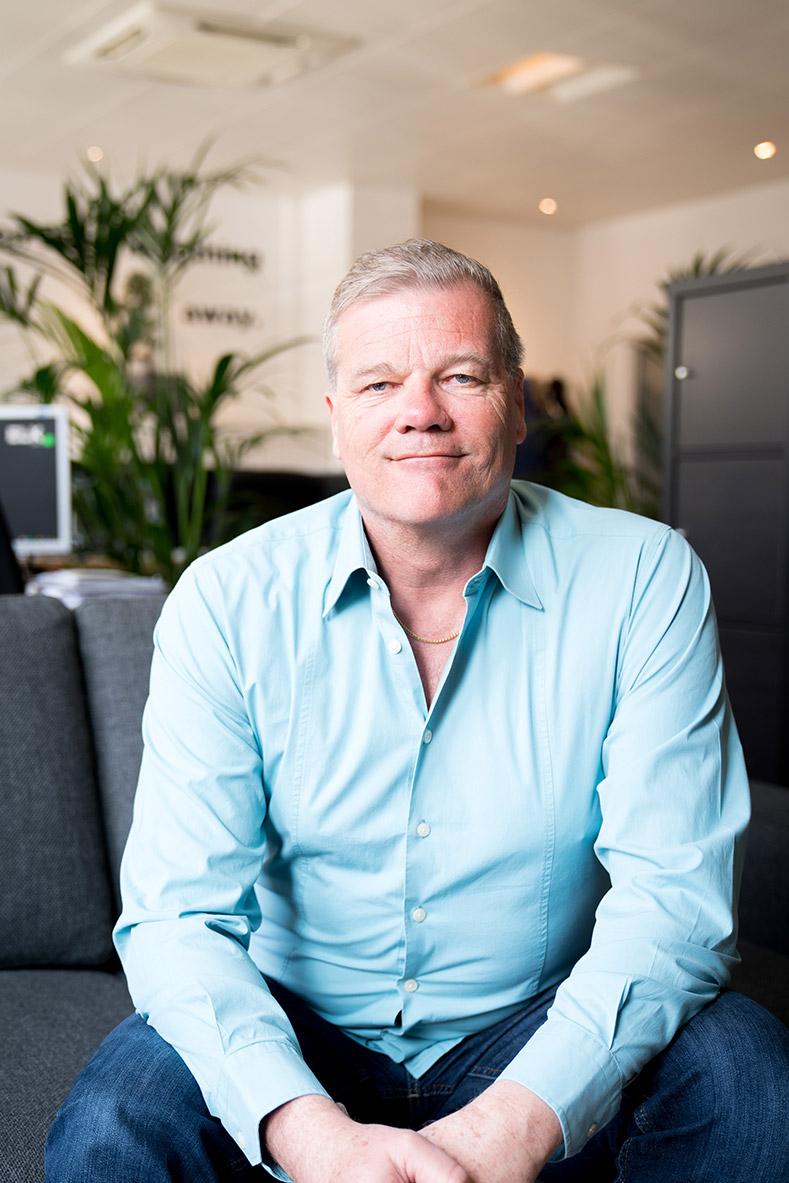Jean-Luc Business Intelligence Director & Senior Developer chez ELK agency à Lausanne